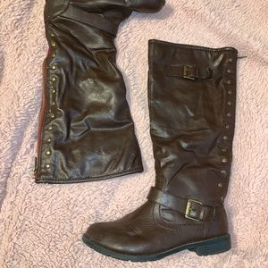 Size 9 Brown Tall Boots